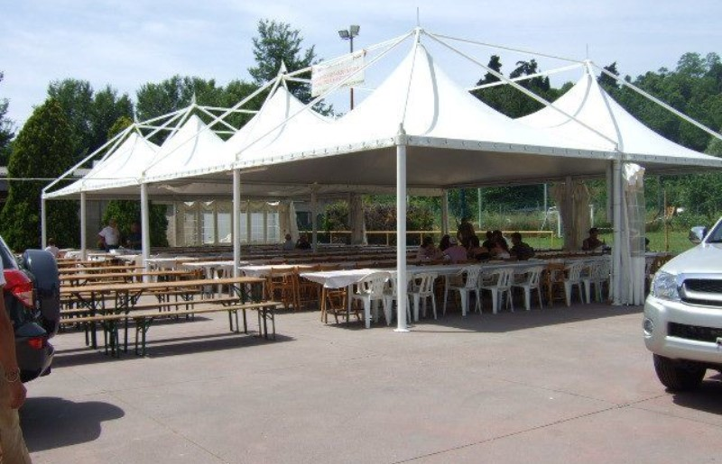 Structures for fairs and parties